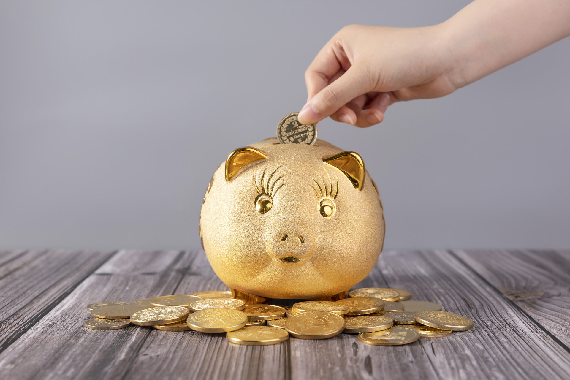 什么是年金型保險存銀行比買年金險好嗎
